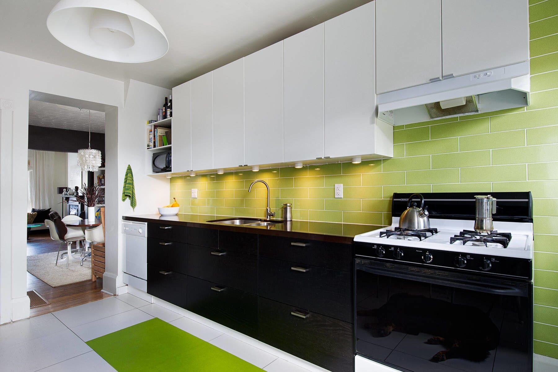 Интерьер кухни фото в черно белых тонах