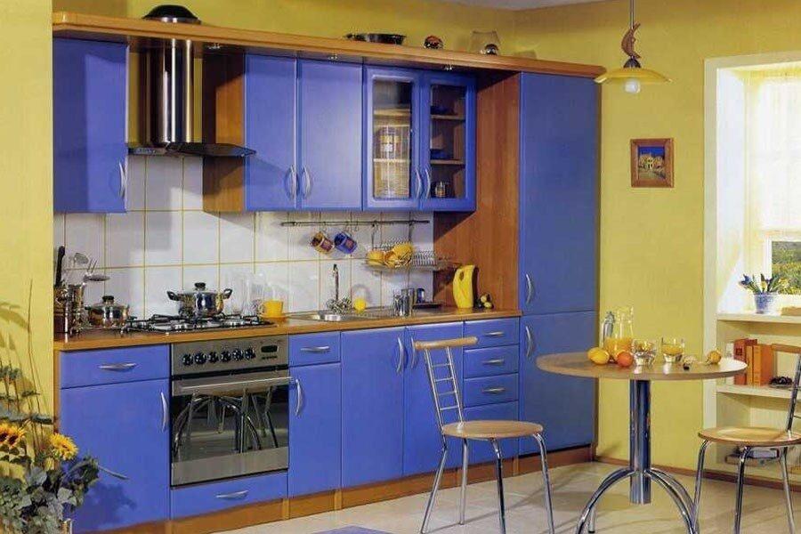 синя-желтая кухня дизайн фото