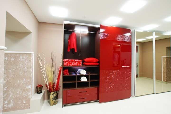 Шкаф купе красный