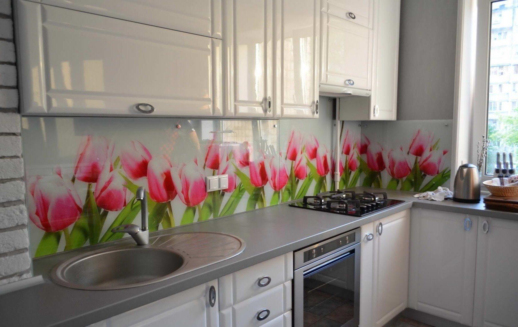 Кухня фартук стекло цветы фото