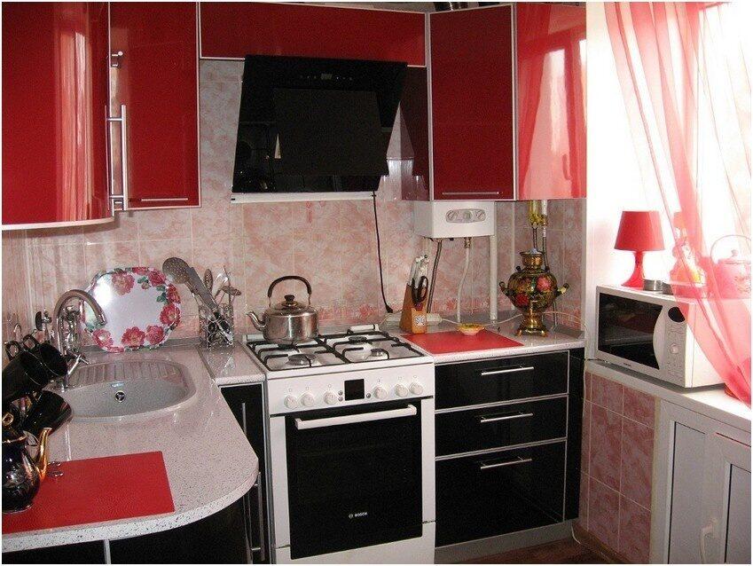 Черная кухня в хрущевке фото
