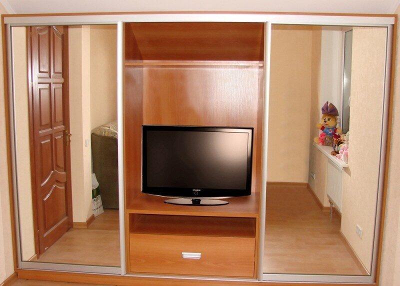 Шкаф под телевизор.